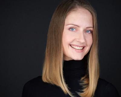 Оксана Шмакова